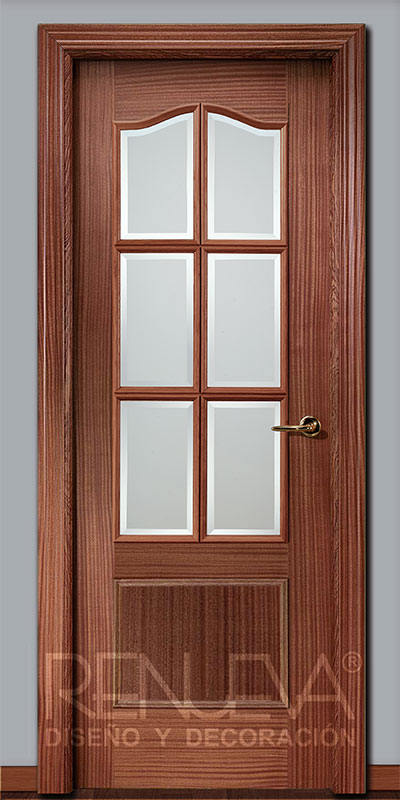Oferta puerta modelo 32 6v madera de sapelly barnizada for Puertas de madera en oferta